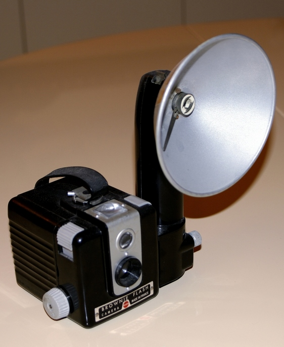 KODAK PATHE BROWNIE FLASH